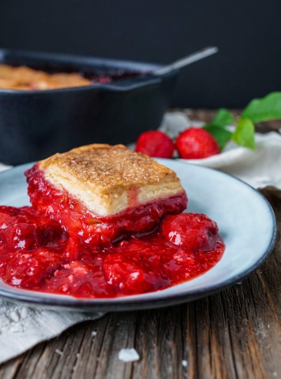Line backt Frischkäse-Cobbler mit Erdbeeren | Line backt | Was is hier eigentlich los?