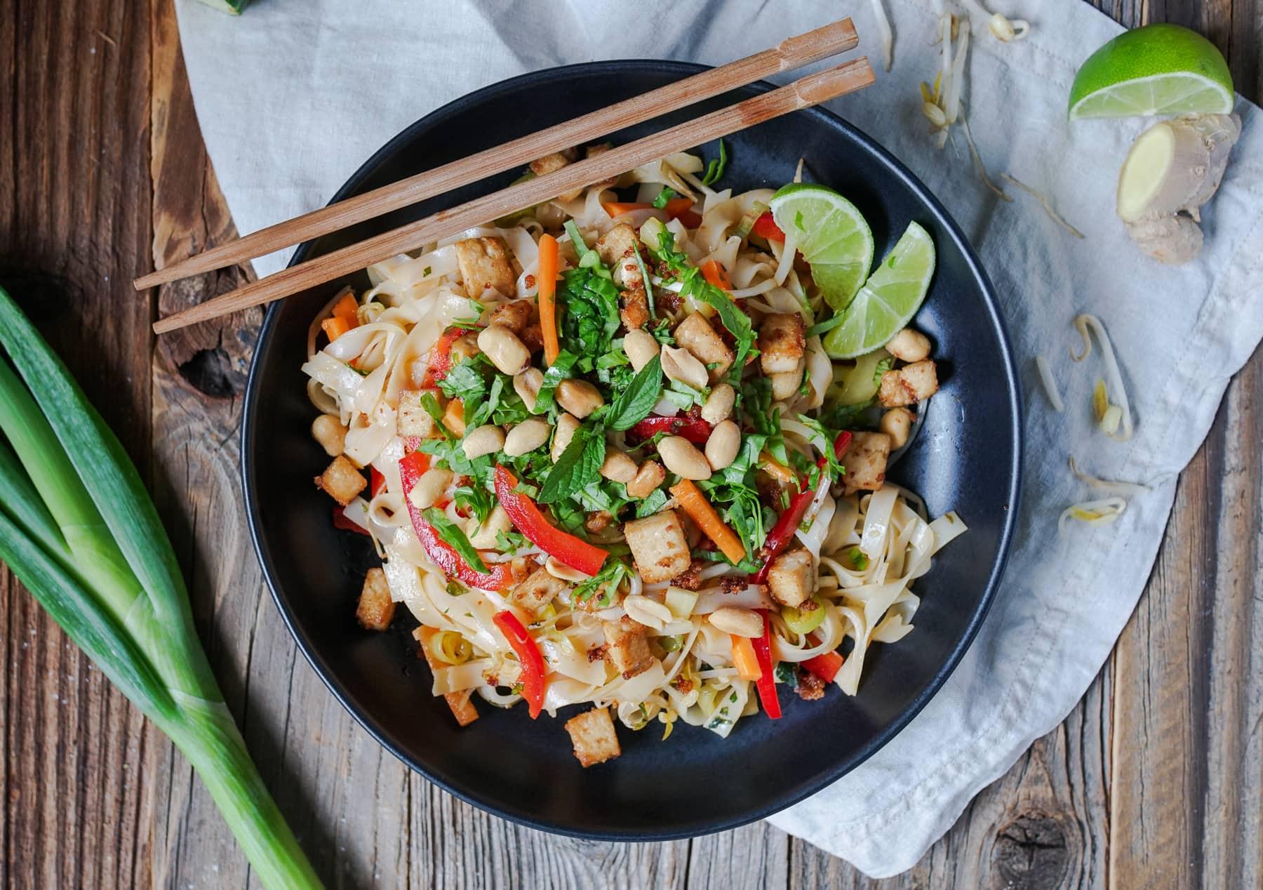 Line macht vietnamesischen Reisnudelsalat mit crispy Tofu   Line kocht   Was is hier eigentlich los?