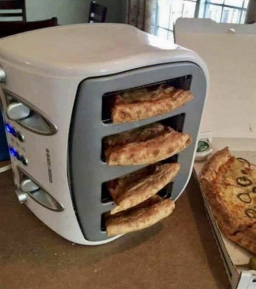 Lifehack der Woche: Pizza im Toaster aufwärmen | Lustiges | Was is hier eigentlich los?