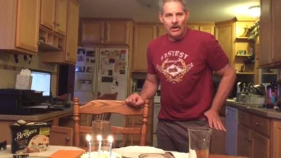 Oldie But Goldie: Wie man Kerzen richtig ausbläst | Awesome | Was is hier eigentlich los?