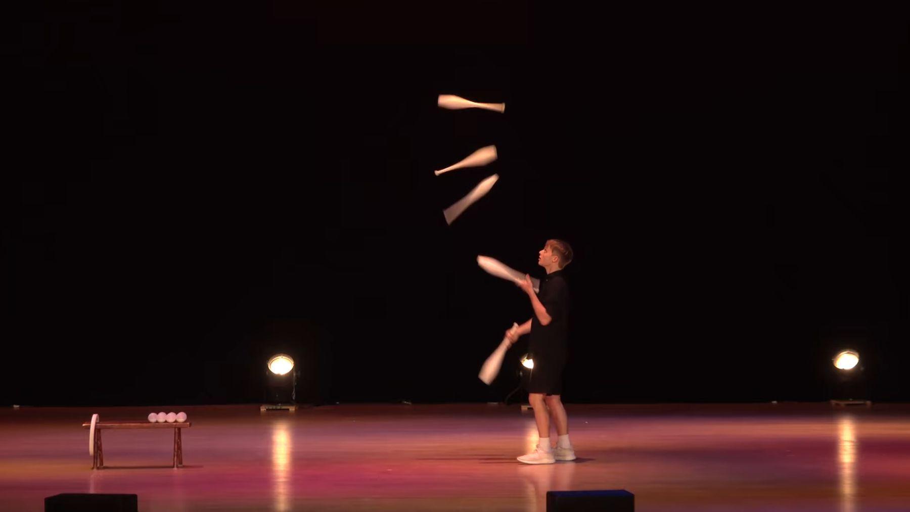 Zak McAllister und seine Jonglier-Künste | Awesome | Was is hier eigentlich los?