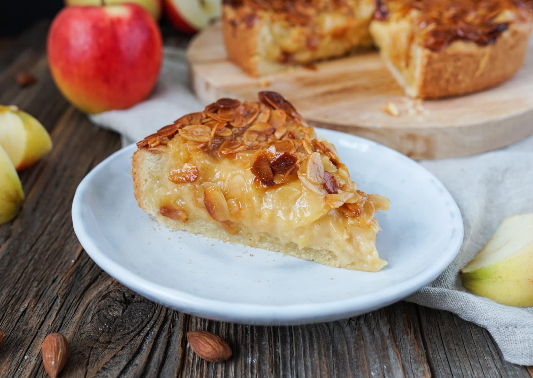 Line backt Apfelkuchen mit Bienenstich-Decke | Line backt | Was is hier eigentlich los?