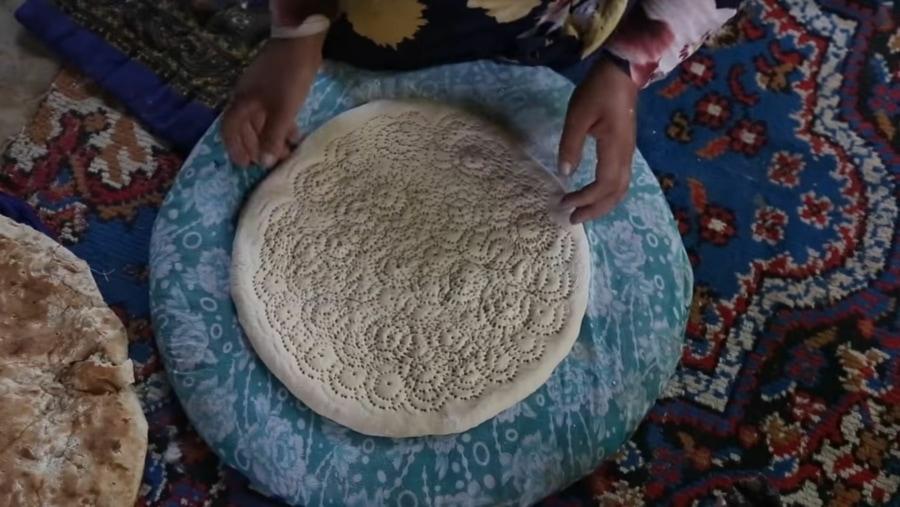 Die Kunst des Brot-Backens in Tadschikistan | Essen und Trinken | Was is hier eigentlich los?