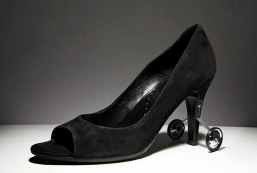 Kleine Hilfe für hochhackige Schuhe | Lustiges | Was is hier eigentlich los?