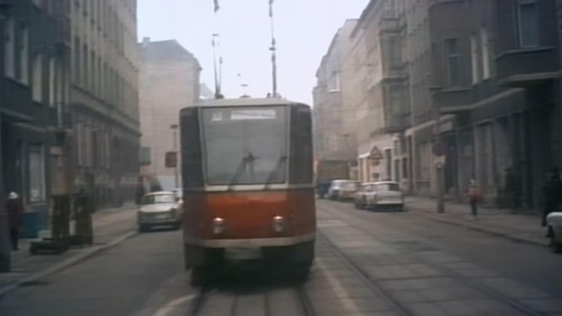 Mit der Straßenbahn durch Ostberlin 1990 | Zeitgeschichte | Was is hier eigentlich los?