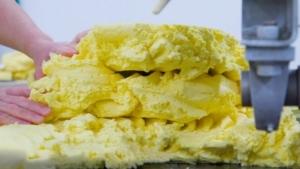 Wie französische Butter traditionell hergestellt wird | Essen und Trinken | Was is hier eigentlich los?