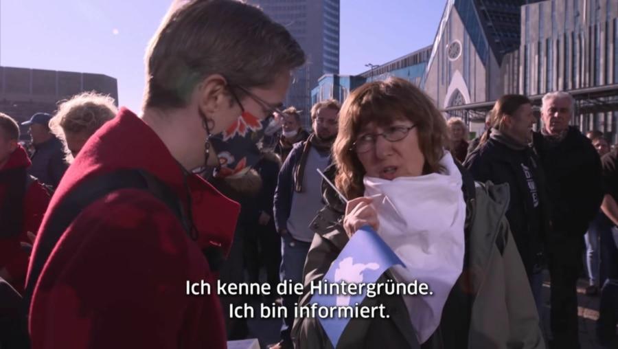 Eine Covid-19-Genesene auf der Querdenken-Demo in Leipzig: Der Versuch eines Dialogs | WTF | Was is hier eigentlich los?
