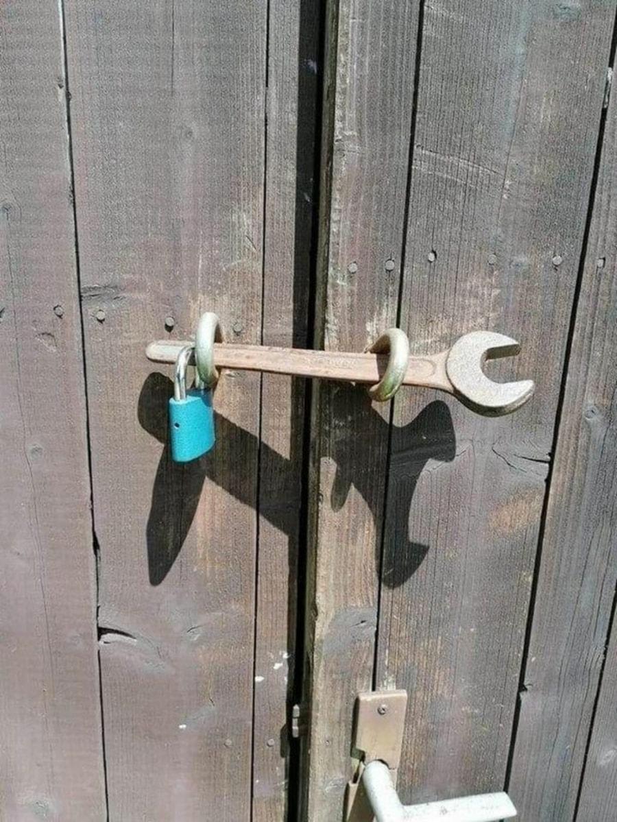 Wie ein smartes Türschloss auf dem Land funktioniert | Lustiges | Was is hier eigentlich los?