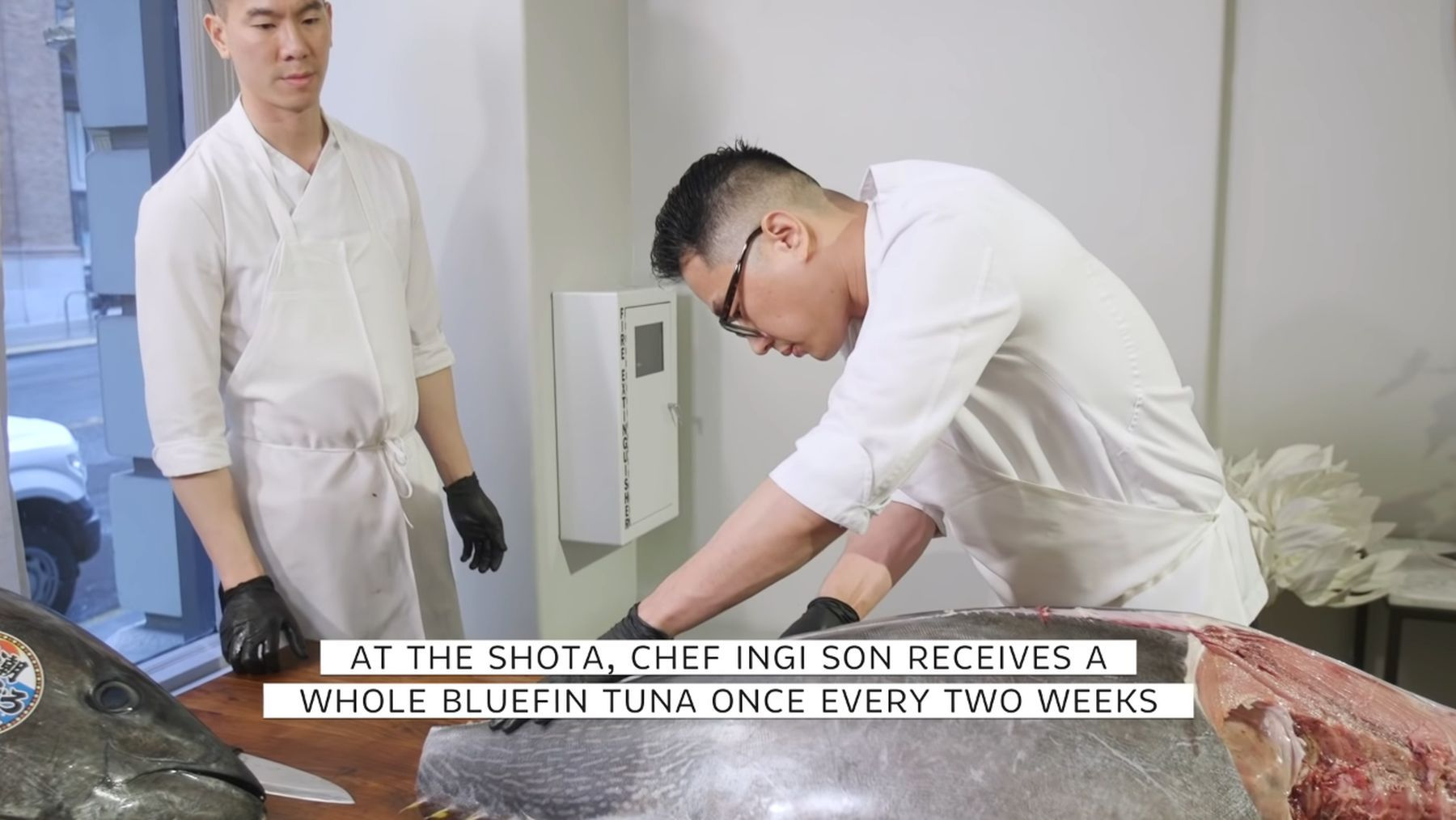 Wie ein Sushi-Meister einen 250-Pfund-Thunfisch verarbeitet | Was gelernt | Was is hier eigentlich los?