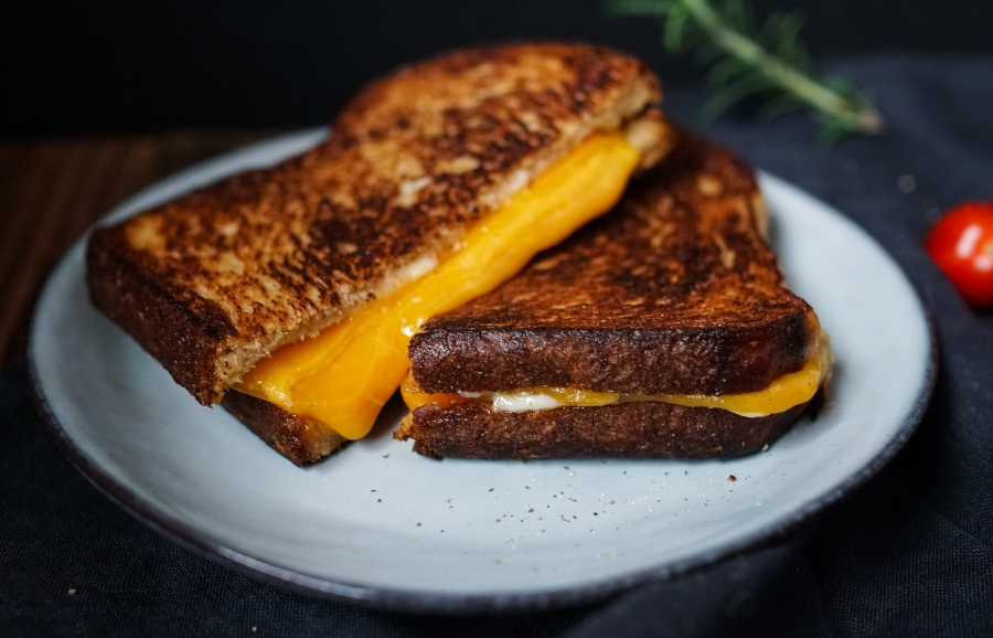 Line kocht würzige Tomatensuppe mit Käsesandwiches | Line kocht | Was is hier eigentlich los?