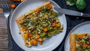 Line macht Blätterteig-Tarte mit Rosenkohl, Kürbis und Lauch | Line kocht | Was is hier eigentlich los?