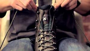 Wie man Stiefel richtig bindet | Was gelernt | Was is hier eigentlich los?