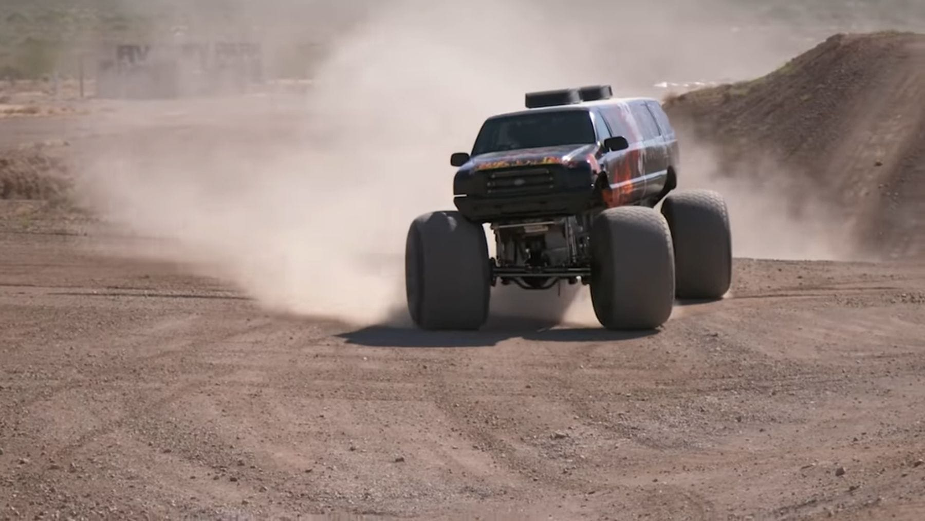 Monster Truck Madness – Guinness World Records | Awesome | Was is hier eigentlich los?