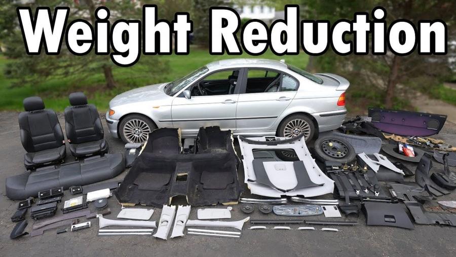 Ein BMW auf sein absolutes Minimalgewicht heruntergebastelt | Was gelernt | Was is hier eigentlich los?