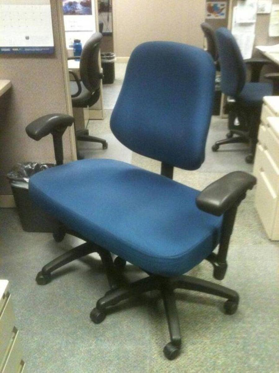 Ein Post-Corona-Schreibtischstuhl | Lustiges | Was is hier eigentlich los?