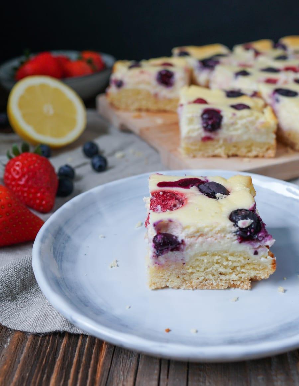 Line backt Zitronen-Cheesecake mit Erdbeeren und Blaubeeren | Line backt | Was is hier eigentlich los?