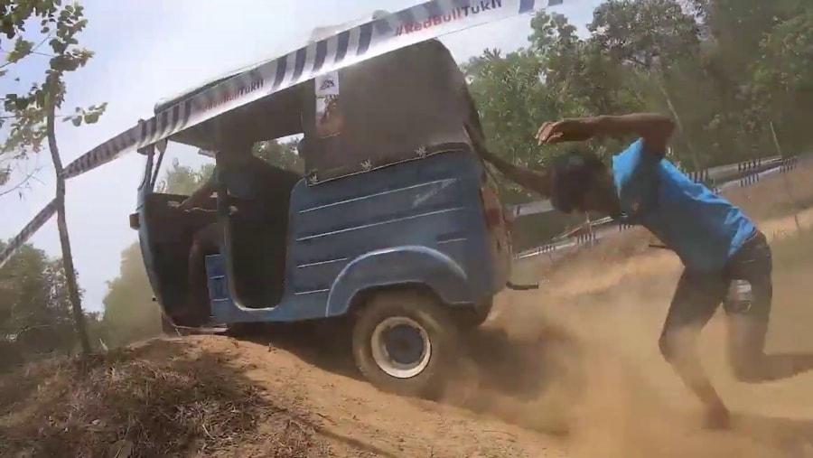 Tuk Tuk-Rennen in Sri Lanka | Awesome | Was is hier eigentlich los?