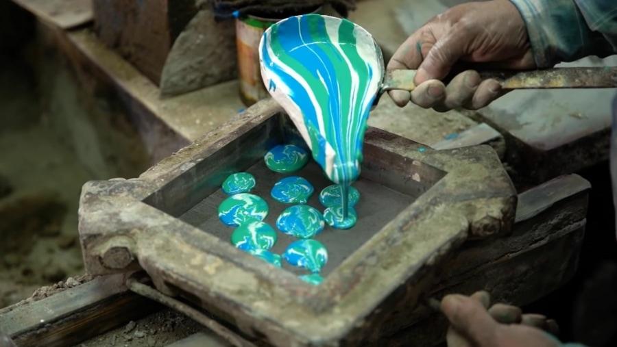 Wie ein Mann in Ägypten eine 200 Jahre alte Tradition des Fliesen-Machens am Leben erhält   Handwerk   Was is hier eigentlich los?