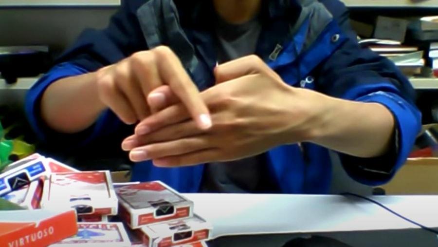 Der abgehackte Finger-Trick perfekt umgesetzt   Awesome   Was is hier eigentlich los?