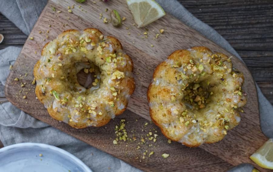 Line backt Zitronen-Olivenöl-Kuchen mit Pistazien | Line backt | Was is hier eigentlich los?