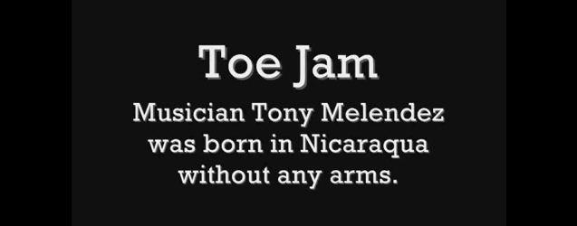 Tony Melendez spielt Gitarre mit seinen Füßen | Musik | Was is hier eigentlich los?